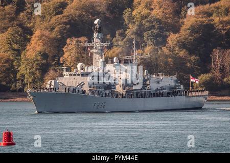 Le HMS Montrose quitter Plymouth pour un déploiement de 3 ans.