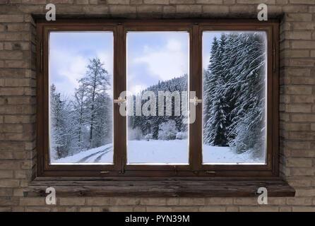 Cadre en bois ancien fenêtre noël hiver choux Banque D'Images