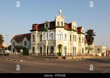 Swakopmund, Namibie - Français influencé bâtiments dans le centre-ville, à Swakopmund, Namibie, Afrique du Sud Banque D'Images