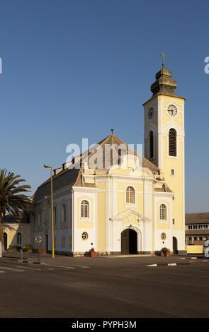L'Église évangélique luthérienne, avec l'allemand a influencé l'architecture, Swakopmund, Namibie, Afrique du Sud Banque D'Images