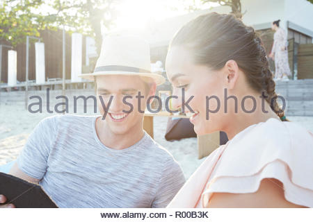 Young Woman smiling on beach Banque D'Images