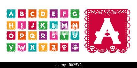 Typographie alphabet style mexicain traditionnel, drapeau papier font en fête des couleurs avec le Jour des morts crâne décoration. Banque D'Images
