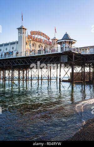 Palace Pier de Brighton, East Sussex, Angleterre, Royaume-Uni, Europe