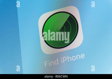 Trouver Application iPhone sur l'écran du téléphone cellulaire Banque D'Images
