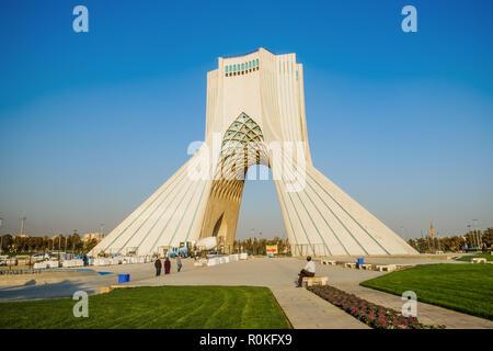 La tour Azadi. Téhéran, Iran. Banque D'Images