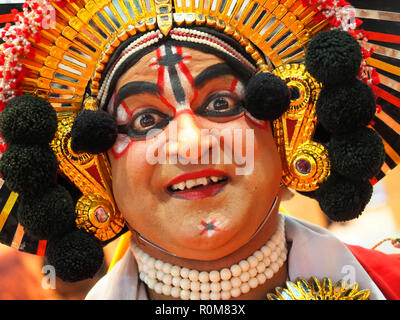 Excel, Londres, Royaume-Uni. 5 Nov 2018. Danseuse indienne au World Travel Market, Excel, Londres, aujourd'hui (Lun): Crédit Finnbarr Webster/Alamy Live News Banque D'Images