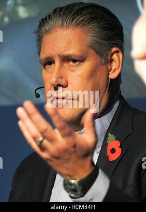 Excel, Londres, Royaume-Uni. 5 Nov 2018. Johan Lundgren Directeur général d'easyJet parlant au World Travel Market à Excel, Londres aujourd'hui (Lun): Crédit Finnbarr Webster/Alamy Live News Banque D'Images