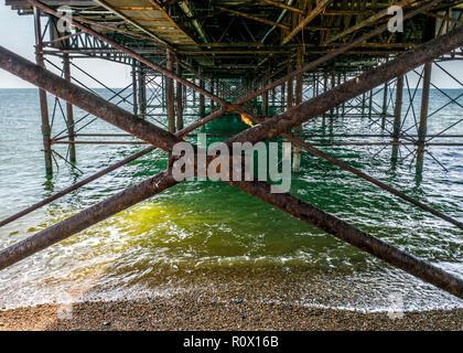 East Sussex Brighton Pier vu de dessous Banque D'Images