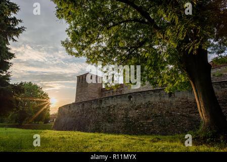 Le Château de Baba Vida à Vidin, Bulgarie - incroyable forteresse médiévale sur la rive du Danube - beau tir de drone Banque D'Images