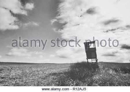 Photo de paysage d'une cabane de sauveteur sur une plage Banque D'Images