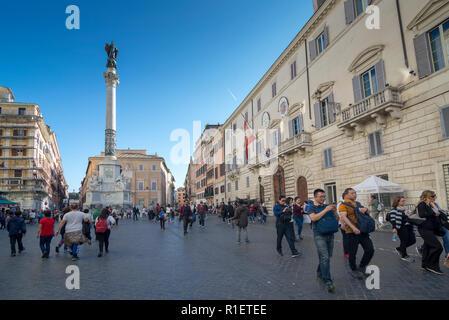 ROME, ITALIE - 24 octobre 2018: La colonne de l'Immaculée Conception Banque D'Images