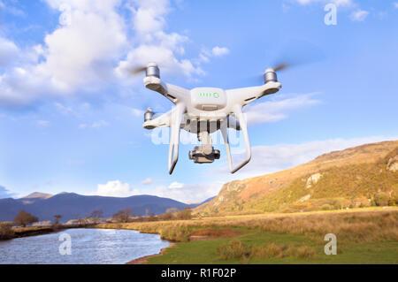 Drone prendre son envol dans le Lake District, Cumbria, England, UK Banque D'Images