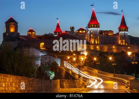 Kamianets-Podilskyi Castle est un ancien château d'Ruthenian-Lithuanian situé dans le centre-ville historique de Kiev, Ukraine Banque D'Images