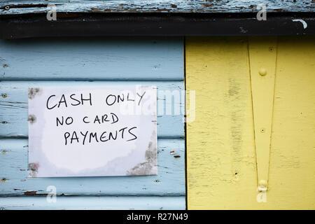 Argent comptant seulement pas de paiements par carte bancaire.