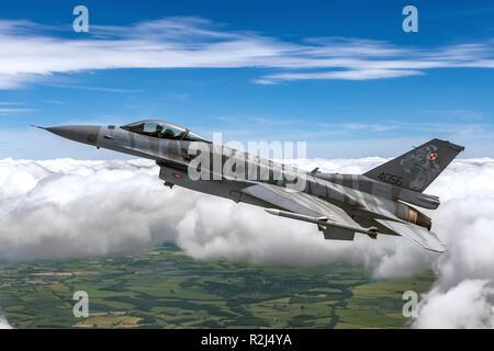 Polish Air Force F-16 photographié au Royal International Air Tattoo (RIAT)