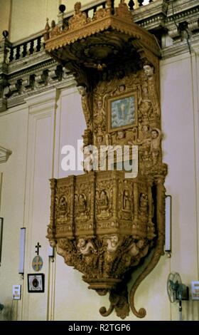 PULPITO DE LA BASILIQUE DU BON JÉSUS À CONSTRUIDA EN EL AÑO 1605. Lieu: BASILIQUE BOM Jesus. Goa. Banque D'Images