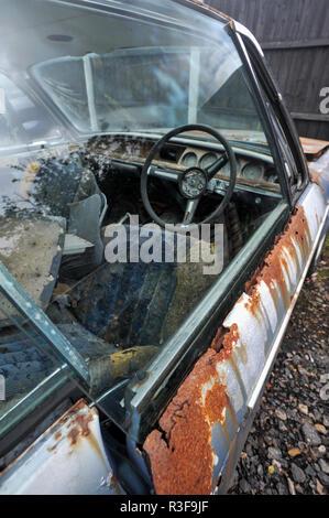 Épave rouillée très classic BMW E9 voiture de sport classique Banque D'Images