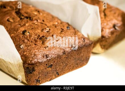 Boulangerie Pâtisserie chocolat banane pain aux noix. Banque D'Images