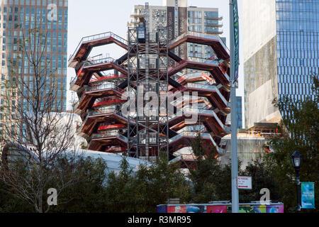 Le navire monument Thomas Heatherwick studio une structure en construction dans le développement d'Hudson Yards, New York, NY, États-Unis Banque D'Images