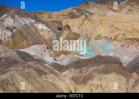 Vue de la palette d'Artistes Artistes en dur dans la Death Valley National Park, Death Valley, comté d'Inyo, California, USA