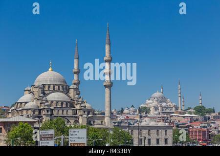 Istanbul, Turquie, 10 juin 2013: nouvelle mosquée (Yeni Camii) à Eminönü. Banque D'Images
