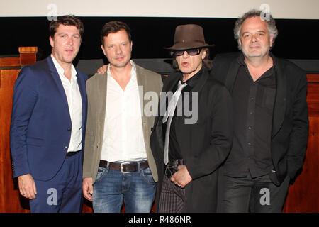 Torsten Amarell (MDR), Falko Korth (réalisateur), Udo Lindenberg, Peter Dreckmann (MDR) Unterhaltungschef; Aftershow Party Udo Lindenberg, Passage Kino, 26.04.2016