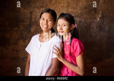 Deux jeunes femmes du Myanmar Banque D'Images
