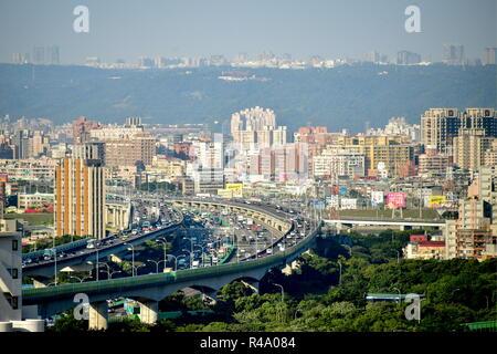 Taipei. 24 Nov, 2018. TAIPEI, TAIWAN, 24 Novembre - 2018: une vue sur la ville de Taipei, la capitale de Taiwan (République de Chine). Yuri/Smityuk Crédit: TASS ITAR-TASS News Agency/Alamy Live News Banque D'Images