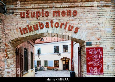 Construction d'Uzipis Uzipis Incubateur d'art et centre d'information. Uzupis est un quartier de Vilnius, le 1 avril 1997, le district s'est déclarée une