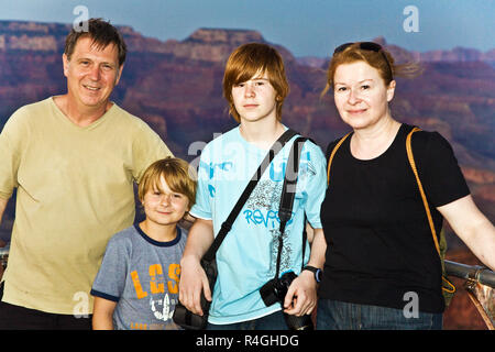 Famille au Grand Canyon South Rim , photo de famille Banque D'Images