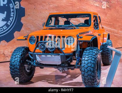 LAS VEGAS, NV/USA - 2 NOVEMBRE 2018: Un concept MOPAR Jeep Wrangler Sandstorm véhicule à la Specialty Equipment Market Association (SEMA) Show.
