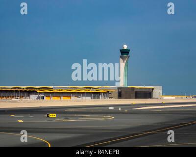 La tour de contrôle de l'Aéroport International de Doha au Qatar