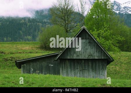 Maison de berger dans les montagnes Banque D'Images