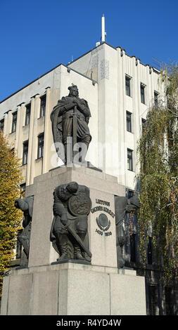 Duc Vytautas le Grand à Kaunas Lituanie Europe statue Banque D'Images