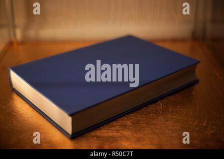 Album cartonné bleu Plan Banque D'Images