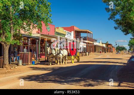 Allen street historique avec une diligence à Tombstone, en Arizona