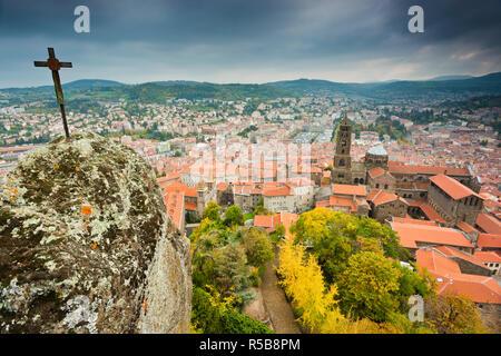 France, Auvergne, Haute-Loire, Le Puy-en-Velay, ville et Cathédrale Notre-Dame