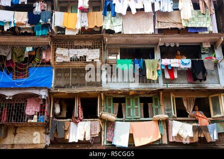 Séchage lavage extérieur appartements, Mumbai (Bombay), Inde Banque D'Images