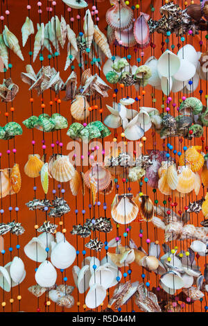 La province de Trat, Thaïlande, Koh Chang, Bang Bao, Coquillages Souvenir Banque D'Images