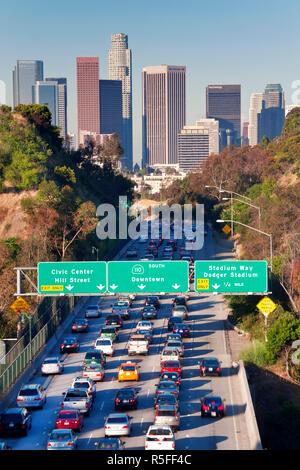 Pasadena Freeway (CA) La route 110 menant au centre-ville de Los Angeles, Californie, USA Banque D'Images