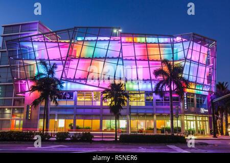 Floride, FL, Sud, Miami Beach, SoBe, 5e rue Fifth, avenue Collins, garage de stationnement, immobilier commercial, immeuble polyvalent, grille métallique, archi
