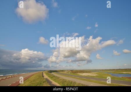 Mer du nord et de la digue entre paysage et Westkapelle Domburg walcheren,,225,sud Pays-Bas Banque D'Images