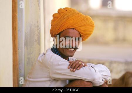 L'homme du Rajasthan, Pushkar Camel Fair, Ajmer, Rajasthan, Inde Banque D'Images