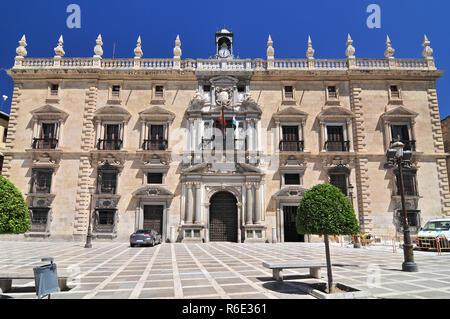 Façade de la Real Chancillería De Granada, Plaza Nueva, Grenade, Andalousie, Espagne Banque D'Images