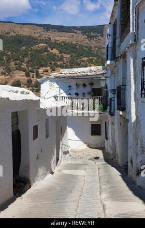 Rue de Capileira, Las Alpujarras, province de Grenade, Andalousie, Espagne Banque D'Images