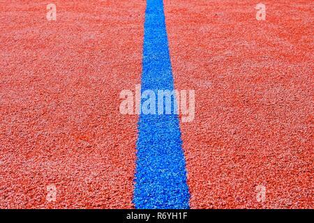 Ligne bleue sur la zone de jeu. Copier l'espace. La texture et l'arrière-plan Sport Banque D'Images
