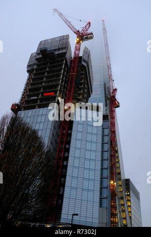 Le Shard couvert de nuage London UK Banque D'Images