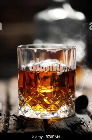 Un verre de whisky Banque D'Images