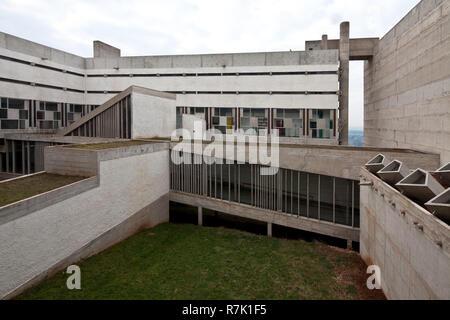 Éveux bei Lyon, Kloster Sainte-Marie de La Tourette, 1956-1960 von Le Corbusier, Innenhof Banque D'Images