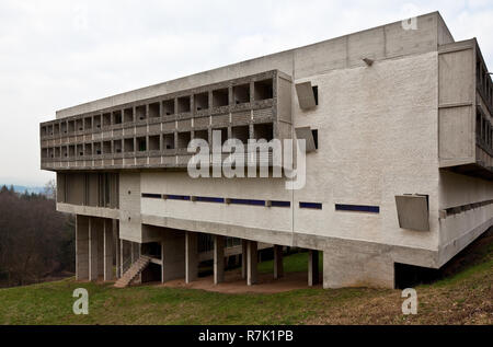 Éveux bei Lyon, Kloster Sainte-Marie de La Tourette, 1956-1960 von Le Corbusier, Außenansicht von Süden Banque D'Images